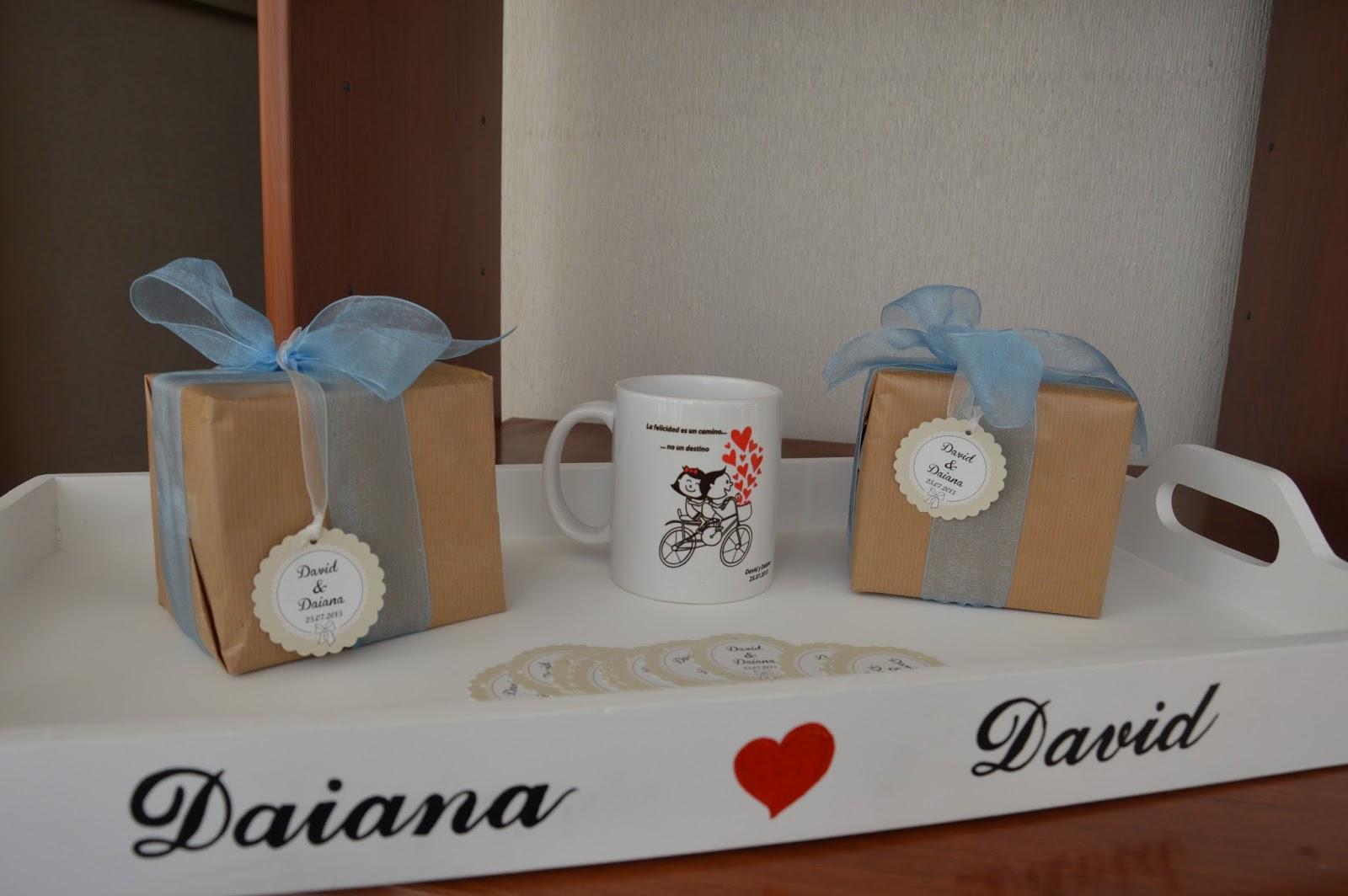 tazas con etiquetas bodas