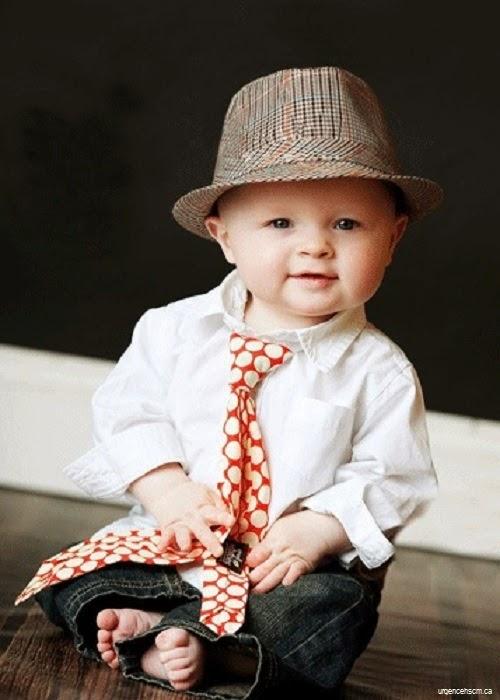 Photo beau bébé garçon très chic