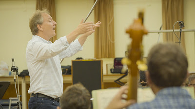 Nigel Short in rehearsal with the BBC Symphony Orchestra