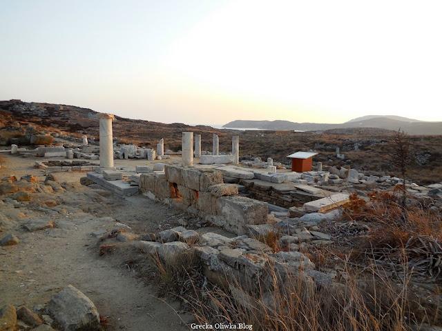 starożytne ruiny na greckiej wyspie Delos