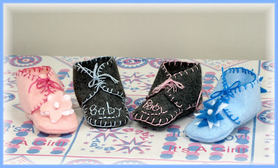 It S Raining Baby Showers Baby Bootie Time Baby Shower