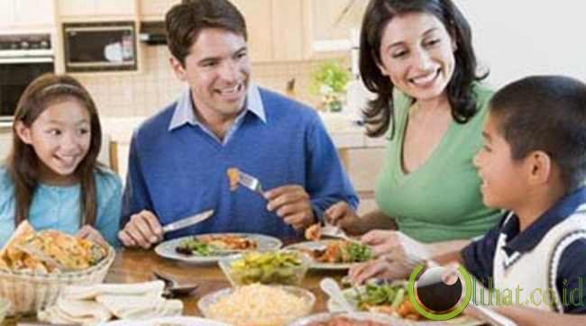 10 Manfaat Baik Makan Bersama Keluarga Nfx Gaul