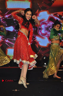 Bollywood Actress Model Sunny Leone Dance Performance in Red Half Saree at Rogue Audio Launch 13 March 2017  0076.jpg