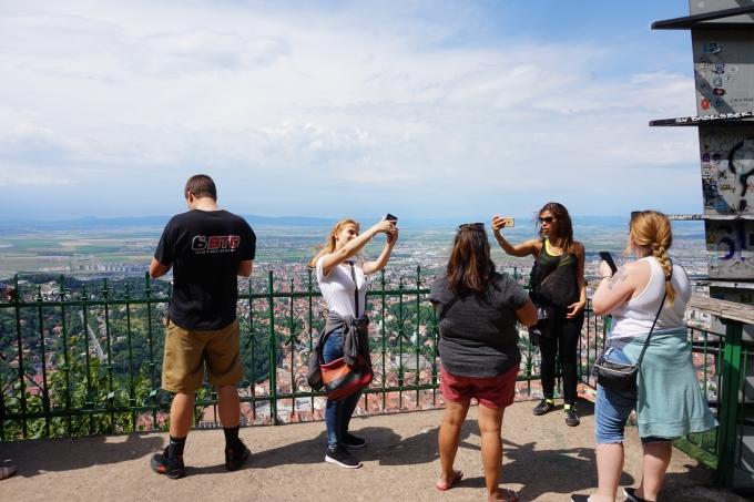 Lasten kanssa Brasovissa, Romania  / turistit