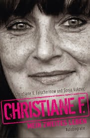 http://anjasbuecher.blogspot.co.at/2014/11/rezension-christiane-f-mein-zweites.html