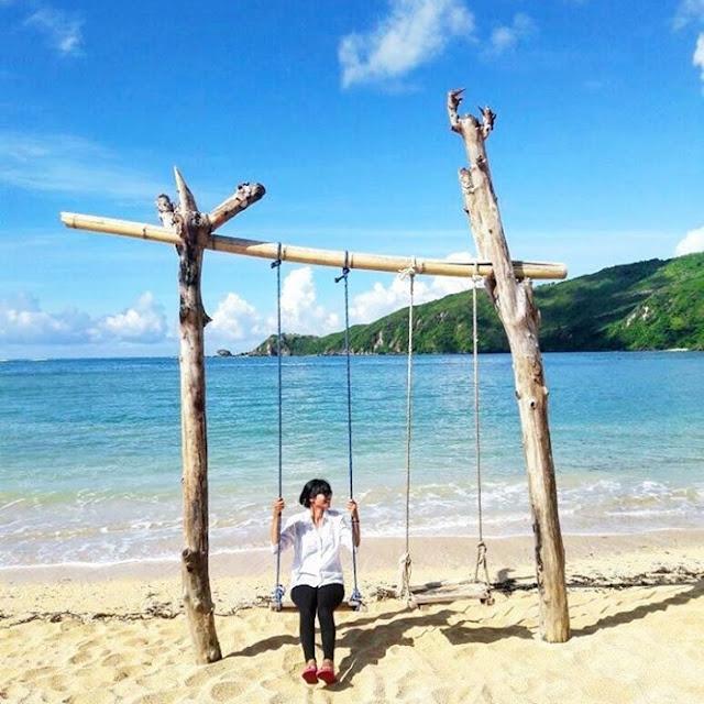 Wisata Pantai Kuta Lombok