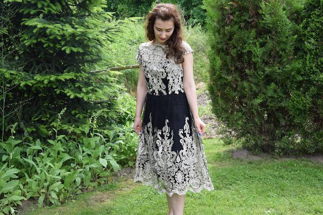 Koronkowa sukienka z Shein