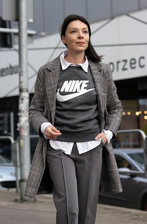 Grey Nike look