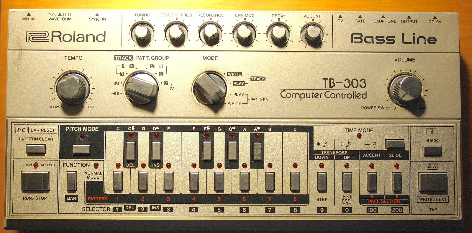 Matrixsynth Thursday October 8 2015 Microphone Preamplifier With Ssm Original Roland Tb 303 Bassline Sn 152800