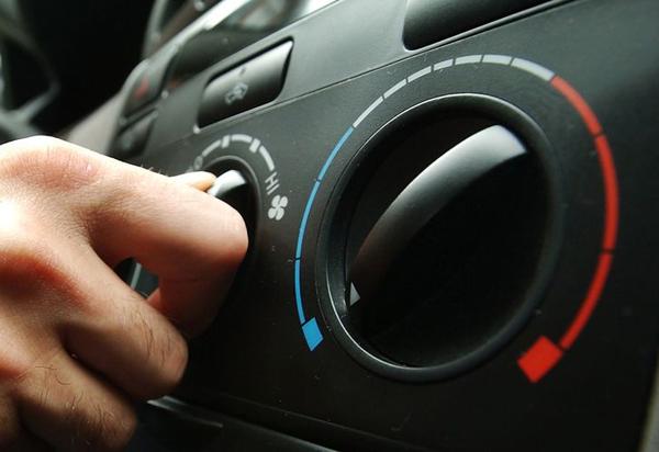 Μην ανοίγετε air-condition μόλις βάζετε μπροστά τη μηχανή στο αυτοκίνητο