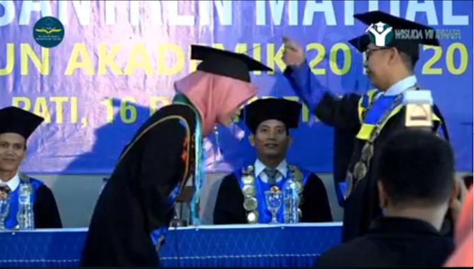 Lulusan Terbaik Kembali Diraih Oleh Wisudawati Prodi Pendidikan Bahasa Arab