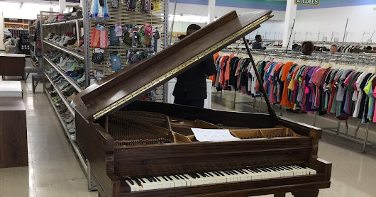 Friday Finds: $40 Grand Piano