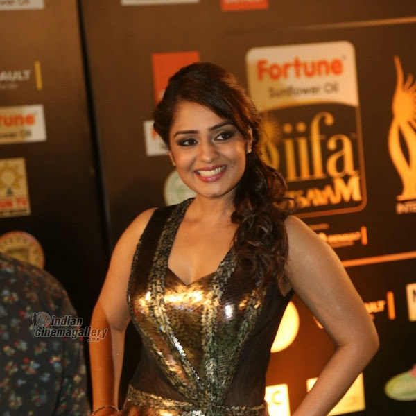 Nikitha Thukral latest hot photos from IIFA Utsavam Awards 2016 Day 2