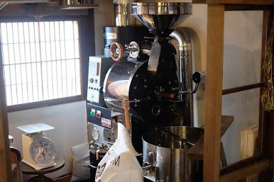 珈琲豆屋・ヤマとカワ珈琲店 コーヒー焙煎機
