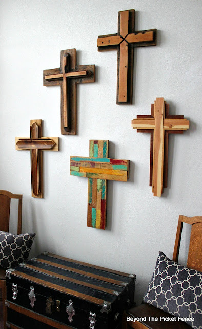 reclaimed wood crosses, rustic cross, salvaged wood, barn wood, http://bec4-beyondthepicketfence.blogspot.com/2016/02/reclaimed-wood-crosses.html