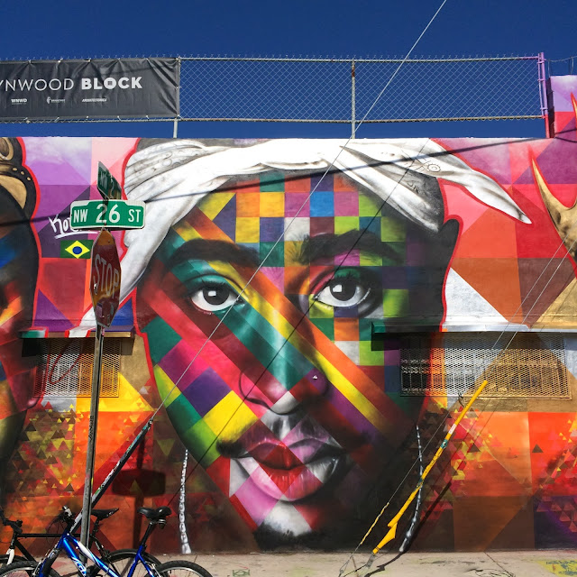 2Pac and Notorious BIG tribute by Eduardo Kobra on the streets of Miami for Art Basel 2013. 2