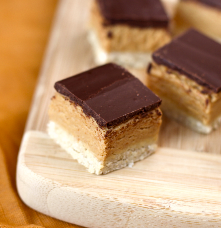 Healthy Peanut Butter and Dark Chocolate Shortbread Bars recipe (no bake, refined sugar free, high protein, high fiber, gluten free) - Healthy Dessert Recipes at Desserts with Benefits