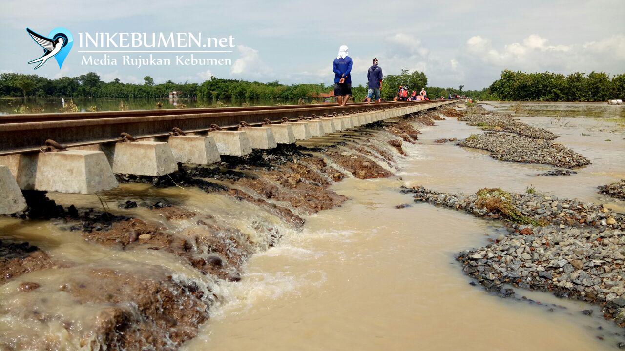 Rel Terendam Banjir, Perjalanan KA Cirebon-Purwokerto Terganggu