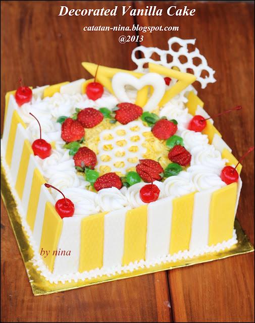 decorated vanilla cake for bu tin   catatan nina aneka
