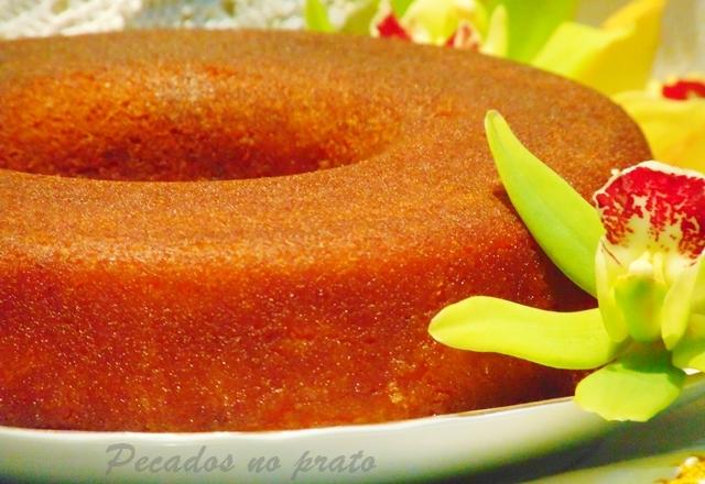 Receita de bolo com calda de rum