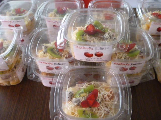 De Salju – Fruit Salad & Juice