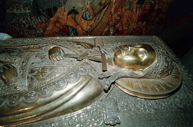 Η Λάρνακα της Αγίας Αικατερίνης   στο Παρεκκλήσιο στην κορυφή Σινά