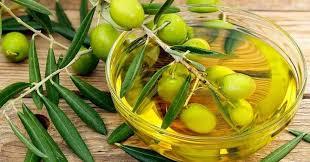 Tips atasi rambut rontok dengan minyak zaitun