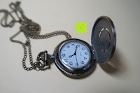 """offen: AWStech Vintage """"one piece"""" Schädel Skelett Skull Quarz Tachenuhr Pocket Watch mit Halskette, Big Size, Beste Willkommen Geschenk"""