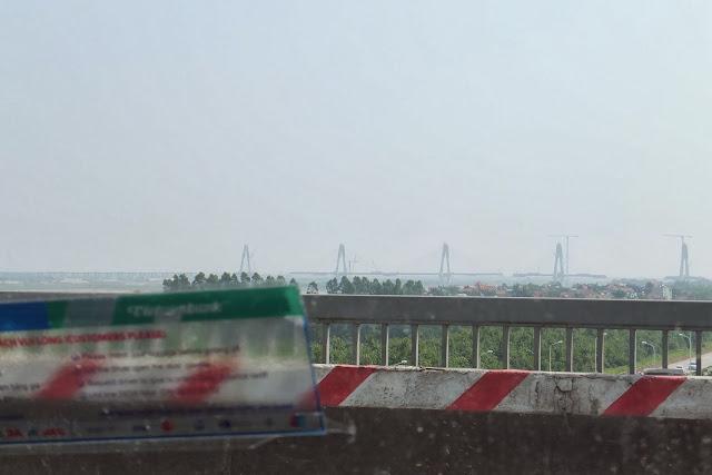 "redriver-newbridge-hanoi-vietnam ハノイ紅河で建設中の""日本橋"""