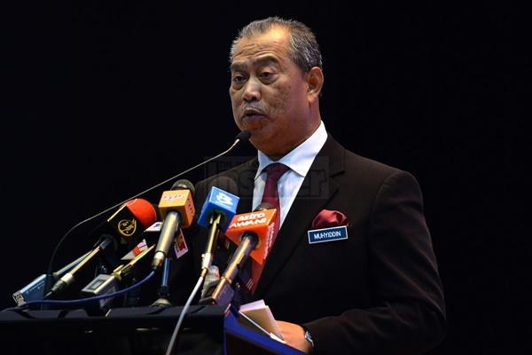 Muhyiddin Yassin Bidas Tuduhan Wujud Komplot Jatuhkan PM Najib!