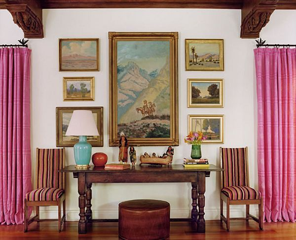 Evolving%2BIdeas%2BAbout%2BHow%2Bto%2BDecorate%2BArt%2BPlacement%2Bon%2BWalls%2B%25281%2529 Evolving Ideas About How to Decorate Art Placement on Walls Interior