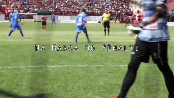 Na Marca do Pênalti (Cia Bueiro Aberto) - Renato Queiroz e Daniel Neves