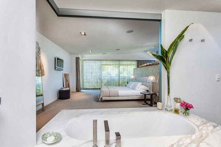 Bedroom and bathroom in Classy contemporary house in Casuarina, Australia