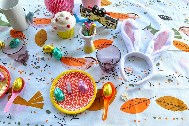 Easter decorating ideas, colourful easter table