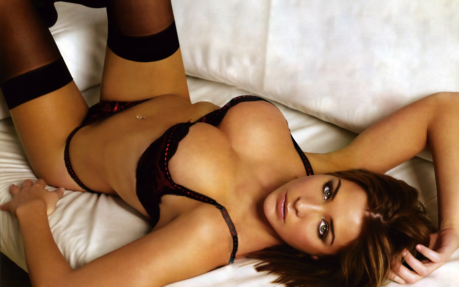 Hot Sexy Girl On Bed