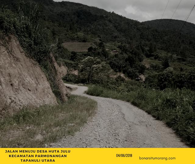 Desa Hutajulu Kecamatan Parmonagan Taput