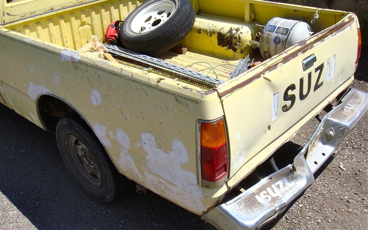 THE STREET PEEP: 1985 Isuzu P'up 4WD