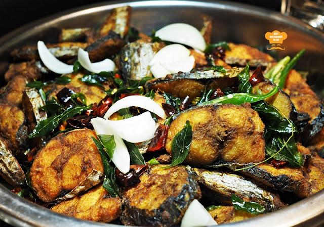 Ikan Goreng Petai Juadah Kampung Buffet Dinner Kontiki Restaurant The Federal Hotels Kuala Lumpur