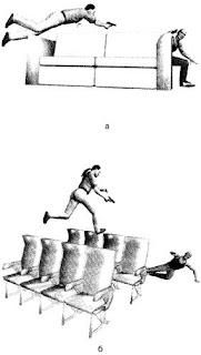 Стрельба из пистолета в прыжке