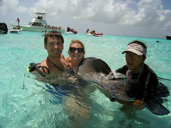 Sting Rays in Grand Cayman - My Travel Bucket List