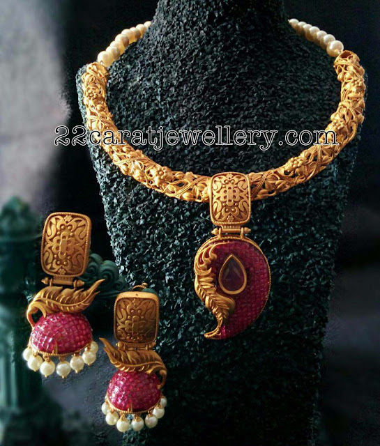 Antique Style Imitation Necklaces