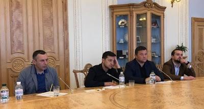 Зеленский встретился с парламентариями для обсуждения даты инаугурации.  Участник коррупционных скандалов глава Нацсовета по телерадиовещанию Артеменко ушел в отставку.