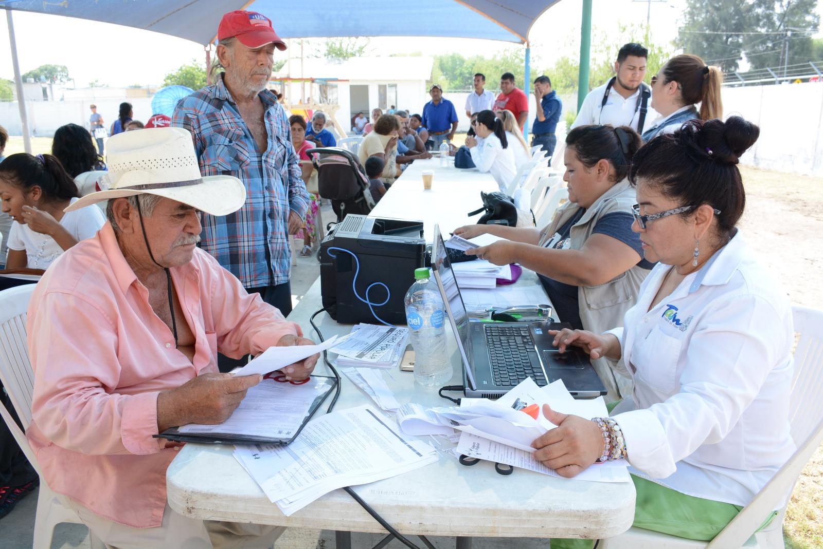 Frontera Sección De Locales En Brigadas De Salud El