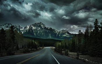 Wallpaper: Surrealistic Canadian Rockies