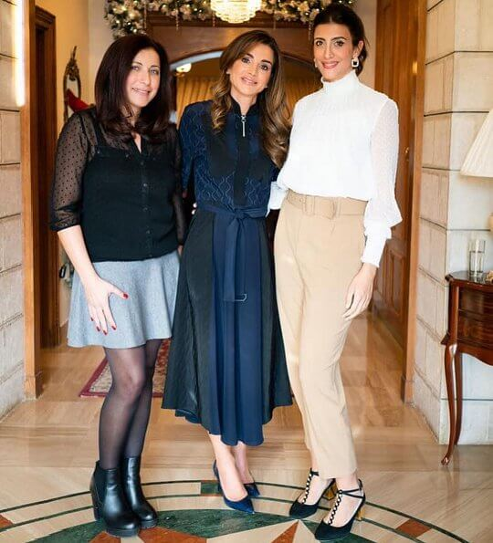 Queen Rania wore a navy two tone beldet print dress and Dior calfskin leather pumps. She carried Givenchy mini GV3 bag