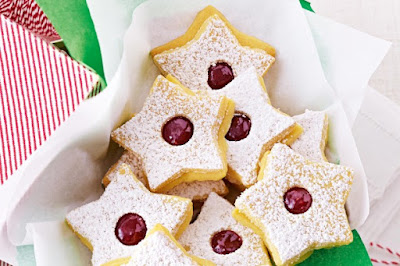Raspberry jam-filled stars desserts recipes