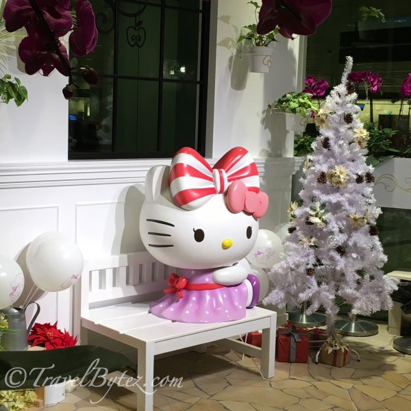 Hello Kitty with 2 bows mascot.