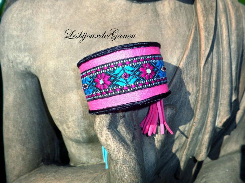 Manchette ethnique Fuschia et turquoise