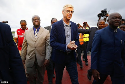 Wenger at the airport