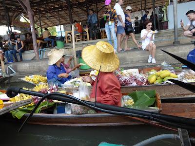 Mercado flotante, Damoen Saduak, Tailandia, La vuelta al mundo de Asun y Ricardo, vuelta al mundo, round the world, mundoporlibre.com